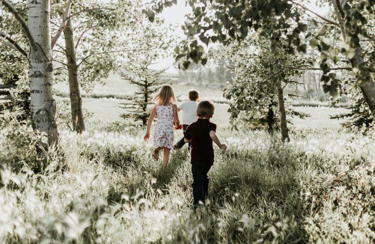 Ako pomôcť deťom, ktoré hľadajú rodinu?